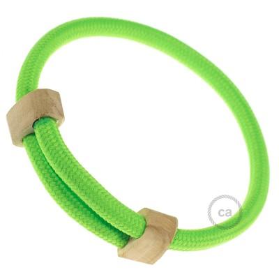 Creative-Bracelet en tissu Effet Soie Vert Fluo RF06. Fermeture coulissante en bois. Made in Italy.