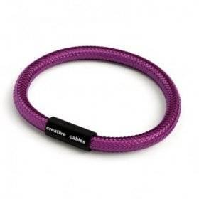 Bracelet avec fermoir magnétique noir mat et câble RM35 (effet soie tissu uni UltraViolet)