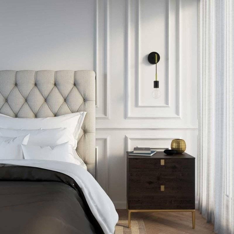 Fermaluce Leather, applique murale en bois recouverte de cuir avec douille suspendue et extension curbe